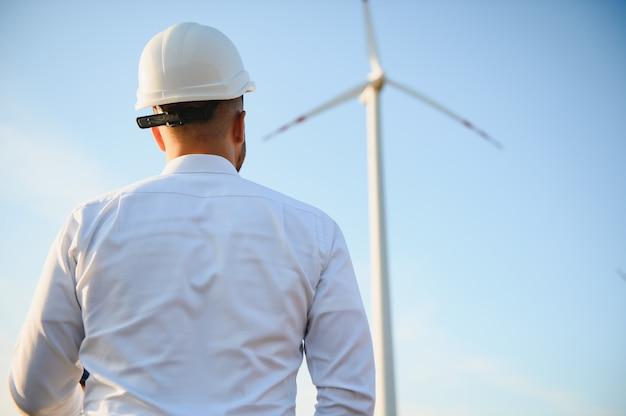 풍력 터빈 발전소의 기술자 엔지니어