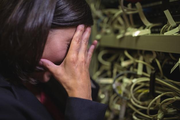 기술자는 서버 유지 관리에 스트레스를 받고