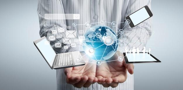 Технологический бизнес в руках человека