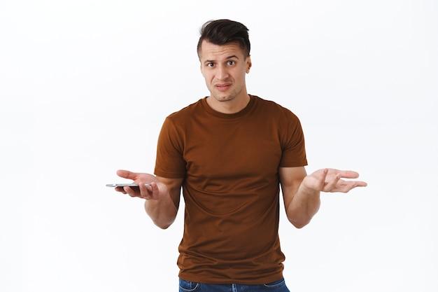 Tecnologia, stile di vita online e concetto di persone. che grosso problema