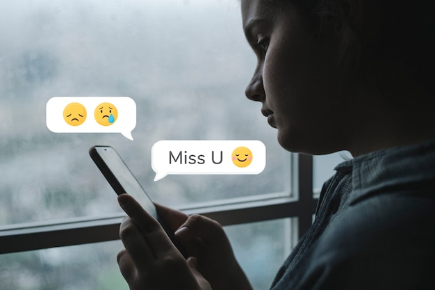 Teen texting miss you