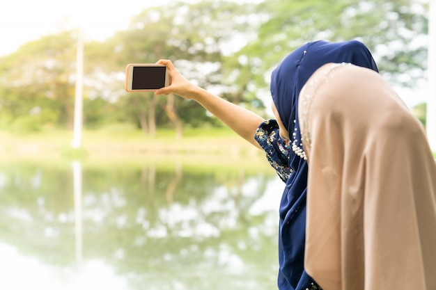 Teenager muslim selfie