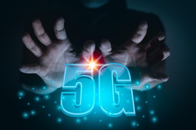 Телекоммуникации беспроводная связь 5g, новая концепция скорости мобильной связи и интернета, сетевой бизнес