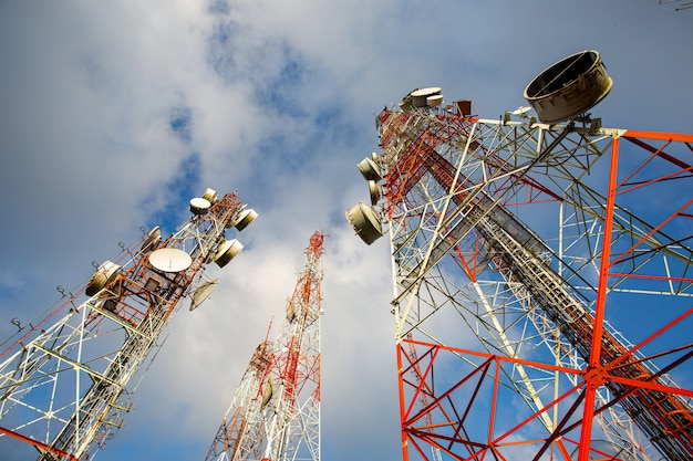 Телекоммуникационная антенна, спутниковая вышка