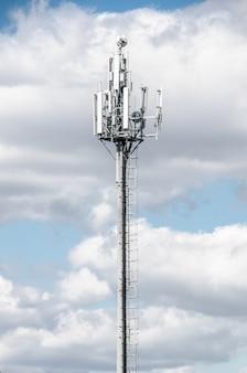 Telecommunication tower . Premium Photo