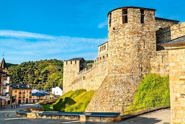 スペインのポンフェラーダのテンプル騎士団の城