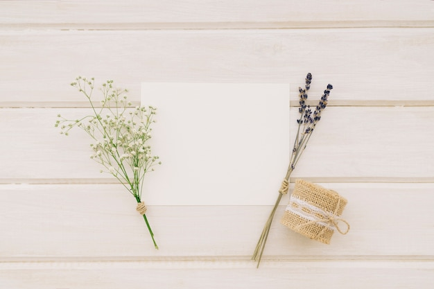 Template, bouquets of flowers and cord