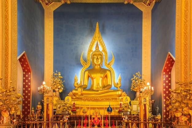 Temple in bangkok, beautiful thai temple wat benjamaborphit in thailand