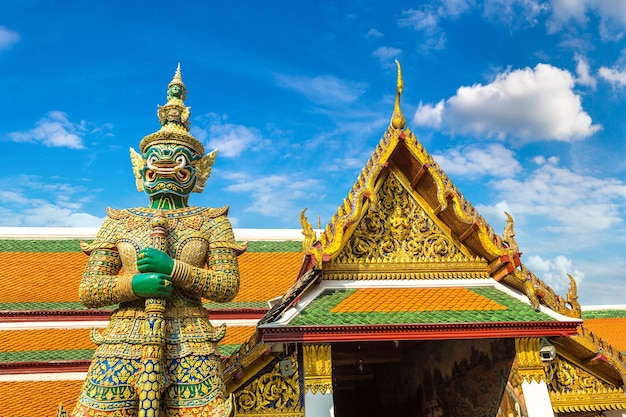 バンコクのエメラルド仏寺院