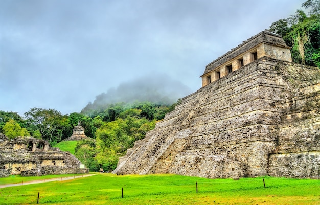 Храм надписей в городе майя паленке в мексике