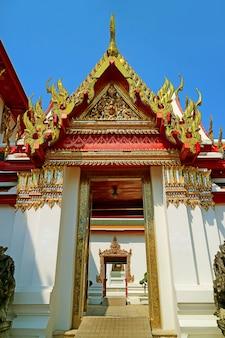 涅槃仏寺院またはワットポータイバンコクで最も古い仏教寺院の1つ