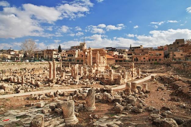 Temple of venus in baalbek, lebanon