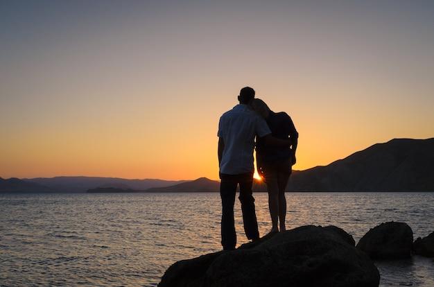 新婚旅行での優しい関係の愛好家