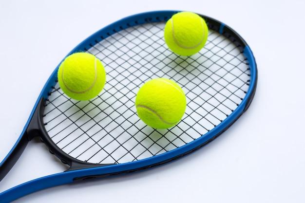 흰색 공 테니스 라켓