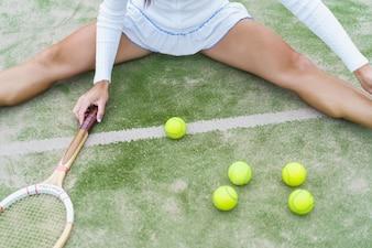 теннисные атрибуты, мячи