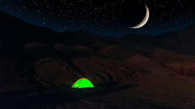 산속의 텐트 야경