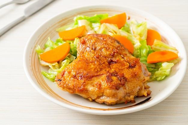 Теппаньяки куриный стейк терияки с капустой и морковью