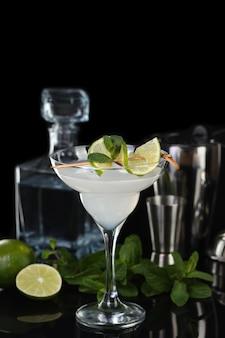 Текила цитрусовый ликер сок лайма это коктейль маргарита