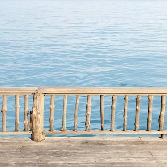푸른 바다와 테라스보기