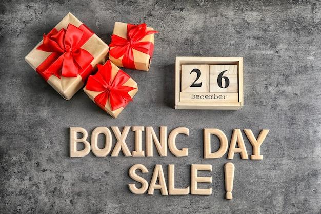 Текстовая распродажа в день бокса и подарочные коробки