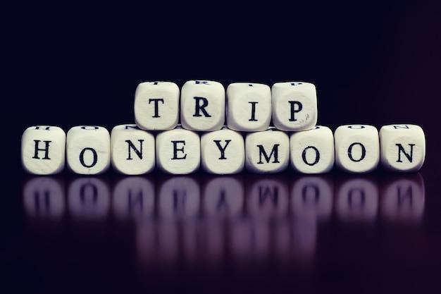 Текстовый куб путешествия медовый месяц