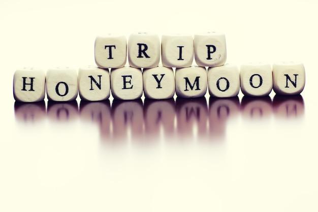 Text cube travel honeymoon