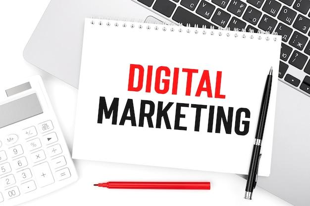 テキストデジタルマーケティング。ビジネスコンセプト。フラットレイ。