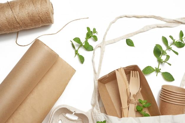 갈색 공예 종이, 그린 민트 잎에서 섬유 가방 및 일회용 식기