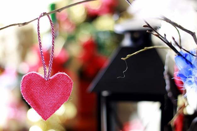 Текстиль в форме сердца боке