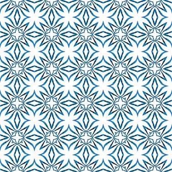Текстильный готовый очаровательный принт, ткань для купальников, обои, упаковка. синий ценный бохо шикарный летний дизайн. акварель летний образец этнической границы. этническая ручная роспись картины.