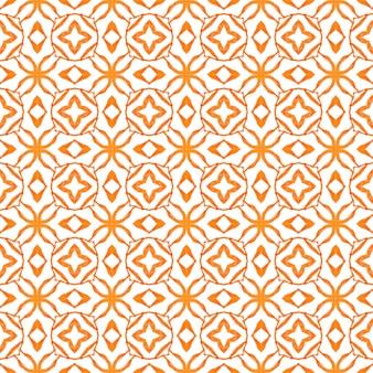 テキスタイル対応の恍惚としたプリント、水着生地、壁紙、ラッピング。オレンジ色のクールな自由奔放に生きるシックな夏のデザイン。夏のエキゾチックなシームレスボーダー。エキゾチックなシームレスパターン。