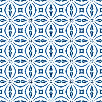 テキスタイル対応の並外れたプリント、水着生地、壁紙、ラッピング。ブルーの崇高な自由奔放に生きるシックな夏のデザイン。有機タイル。トレンディなオーガニックグリーンボーダー。