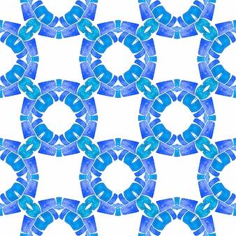 텍스타일 준비 압도적인 프린트, 수영복 원단, 벽지, 랩핑. 블루 실제 보헤미안 세련된 여름 디자인. 오리엔탈 아라베스크 손으로 그린 테두리. 아라베스크 손으로 그린 디자인.
