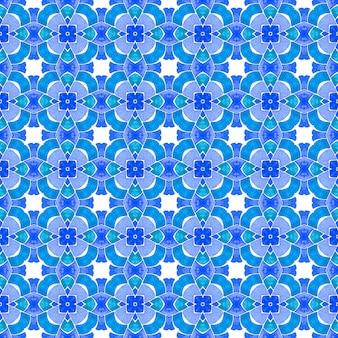 Текстиль готов, причудливый принт, ткань для купальников, обои, упаковка. синий великолепный летний дизайн в стиле бохо-шик. зеленый геометрический шеврон акварель границы. шеврон акварельный узор.