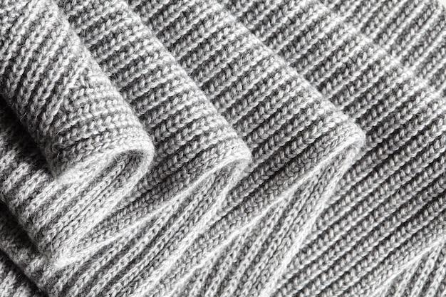 회색 모직 니트 원단의 섬유 질감