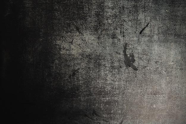 오래 된 많이 사용되는 검은 어두운 회색 슬레이트 분필 보드의 질감