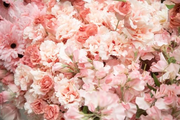 부드러운 꽃이 있는 아름다운 꽃 배경의 질감닫기