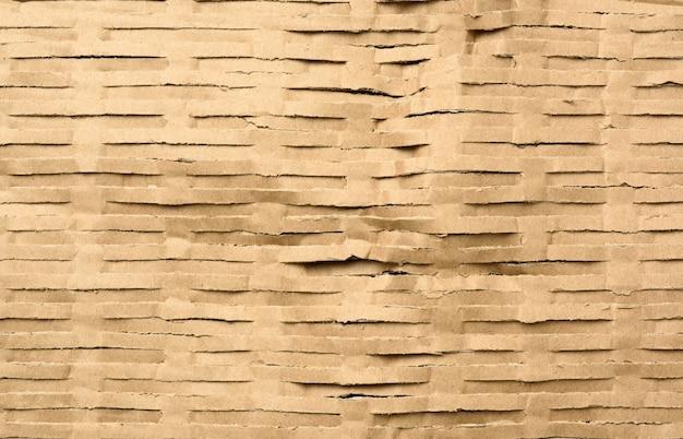 Текстура нарезанной коричневой крафт-бумаги