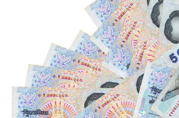 태국 바트 지폐는 흰색에 고립 된 다른 순서로 놓여 있습니다.