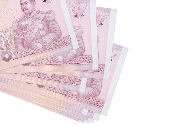 タイバーツ紙幣は、孤立した小さな束またはパックにあります