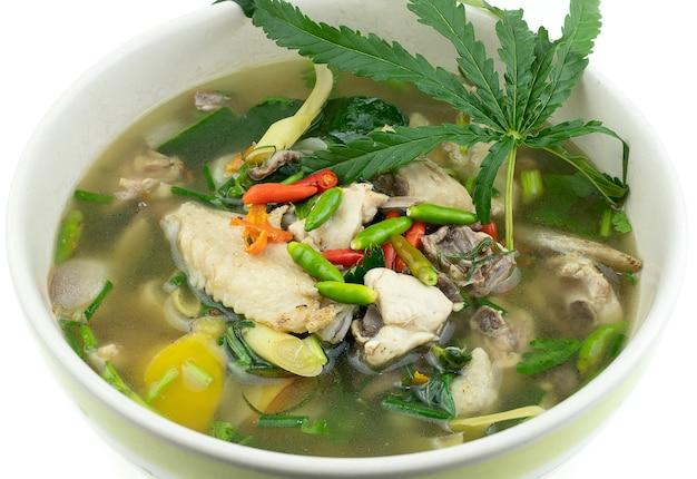 タイ料理チキンスパイシースープ、トムヤムカイ