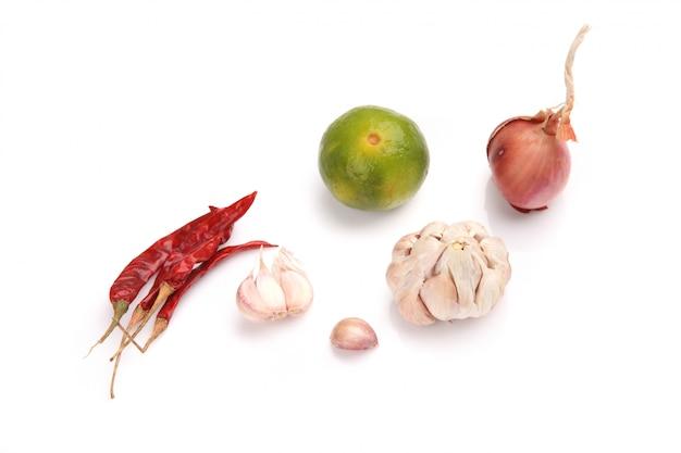 Тайский пищевой ингредиент для tom yum kung, изолированных в белом backgroud