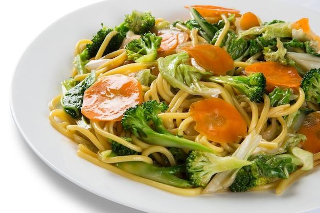 태국 음식 패드 타이, 야채와 함께 볶음 국수.