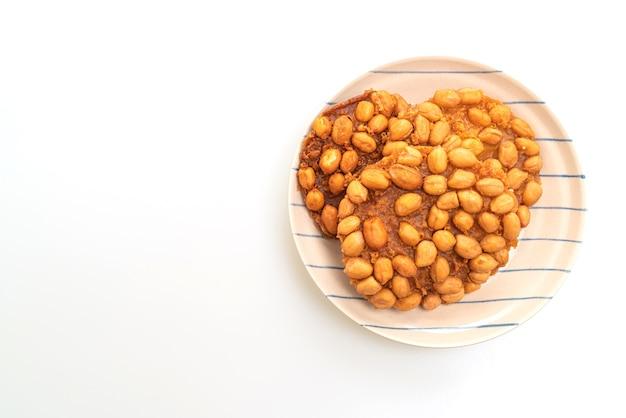 고립 된 태국 튀긴 땅콩 쿠키