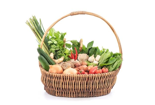 태국 허브와 야채 성분 흰색 배경에 고립.