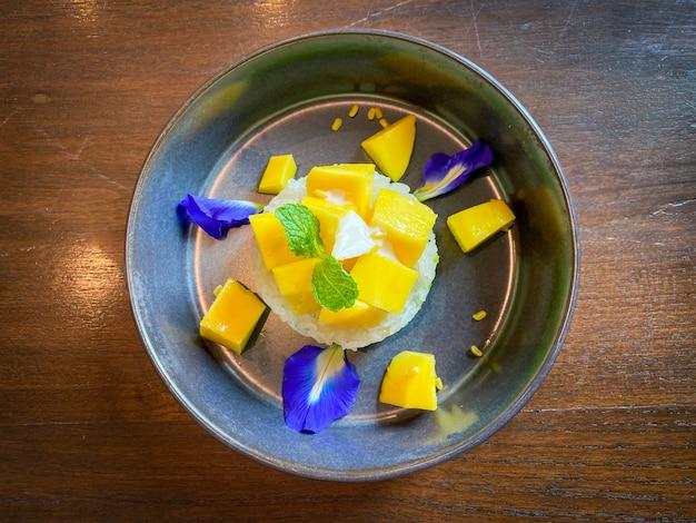 Тайское манго с липким рисом и кокосовым молоком