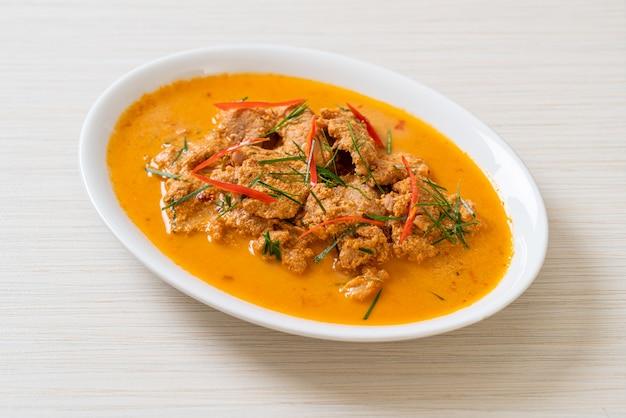 태국 식사 키트 파낭 카레와 돼지 고기-태국 음식 스타일