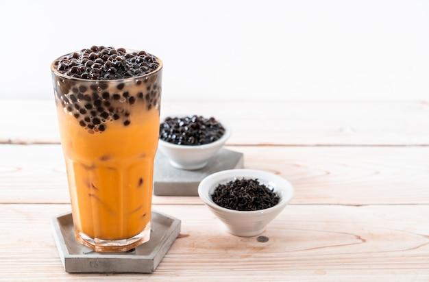 Тайский молочный чай с пузырьками