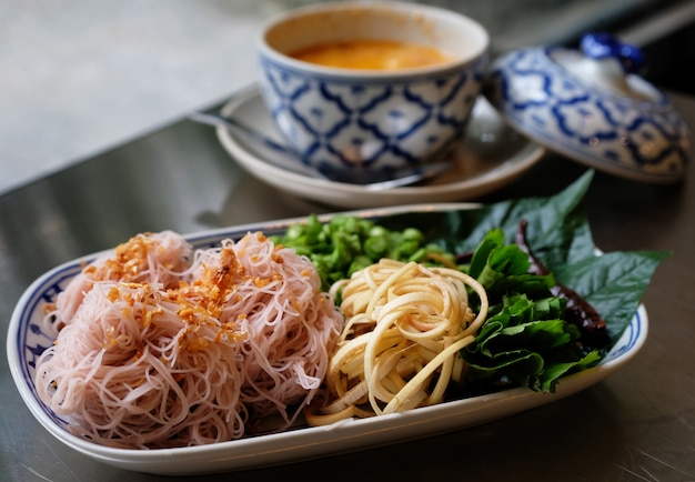 Thai noodle with herb and spicy sauce