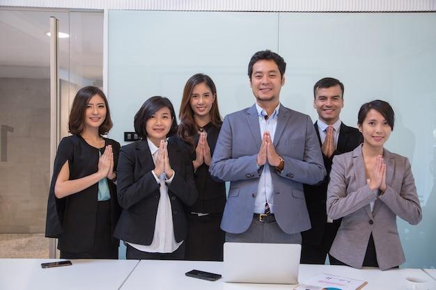 Premium Photo | Thai style businessman repect customer in